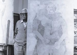 Rufino Tamayo, con su cuadro Picasso al desnudo, Foto de M. Álvarez Bravo, 1990 EDIT
